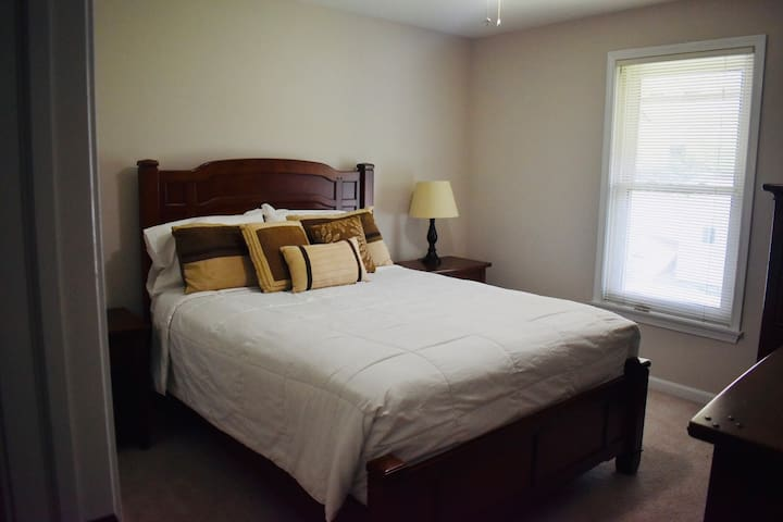 Private Room - Centrally Located Home w/ Hot Tub!
