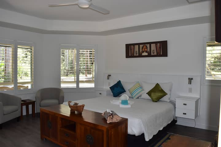 Beechs Brook Rain Forest Retreat King Room