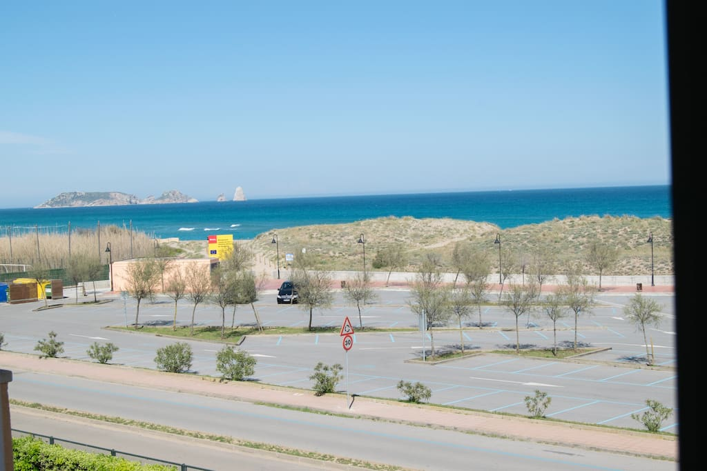 apartamento a 50 mts de la playa- 3 habitaciones, piscina, parquing.-SA PUNTA COSTA BRAVA