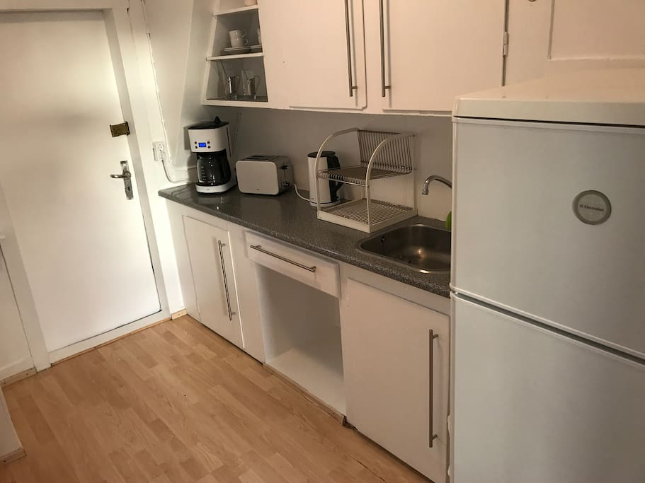 Small Kitchen with facilities