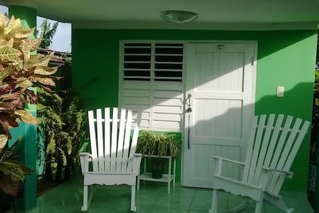 Villa Wendy - Puerto Esperanza - Villa