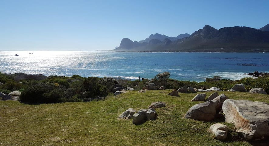 Breathtaking views on the waters edge - Pringle Bay - Huis