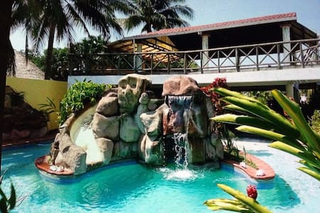 HUGE BEACH HOUSE! - Guatemala - Casa