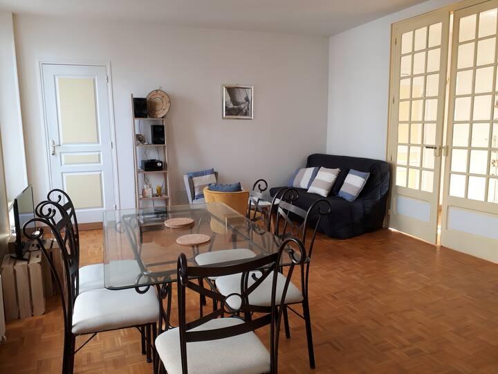 Appartement lumineux plein centre de Granville