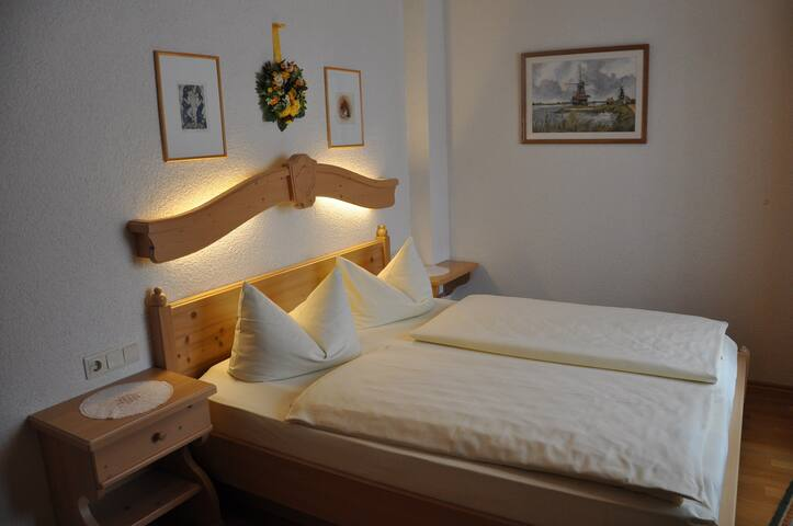 Gasthaus Tauberstube (Rothenburg ob der Tauber), Einzelzimmer an der romantischen Straße