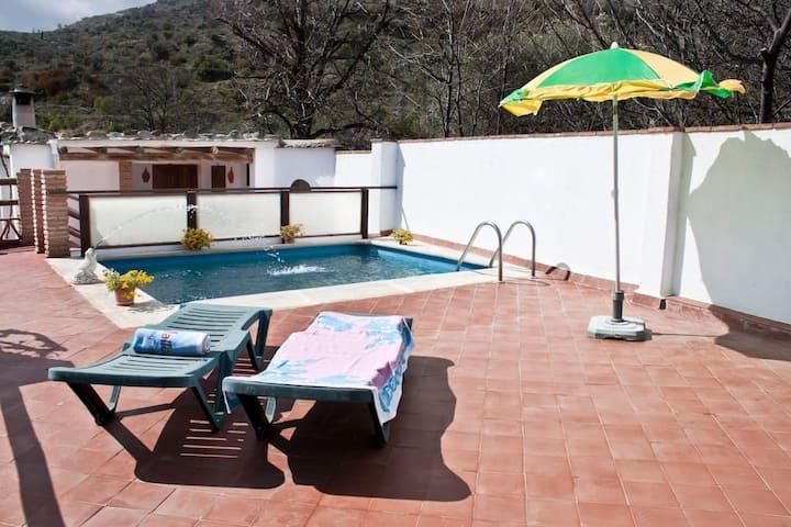 Casa con piscina en La Alpujarra