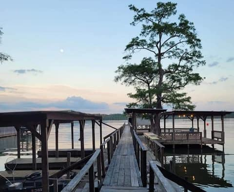 For rent on Beautiful Lake Saint John