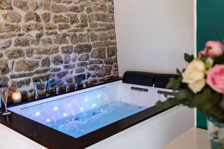 La suite de l'Etoile SPA privatif balneo et sauna