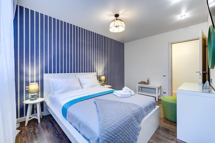 2 bedrooms, new designed apartment in Marine style