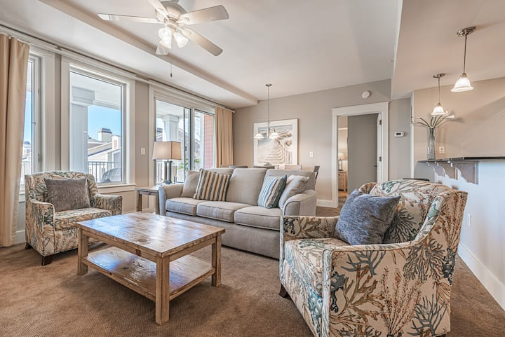 Rates Reduced 20% through 5/27 Two Bedroom Village of Baytowne Wharf Condo