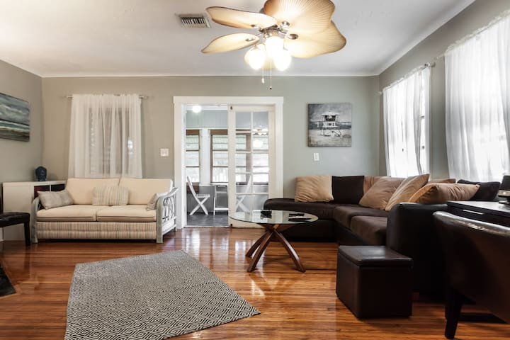 2 BR Bungalow with Kayaks in Downtown Lake Worth - Lake Worth - Talo