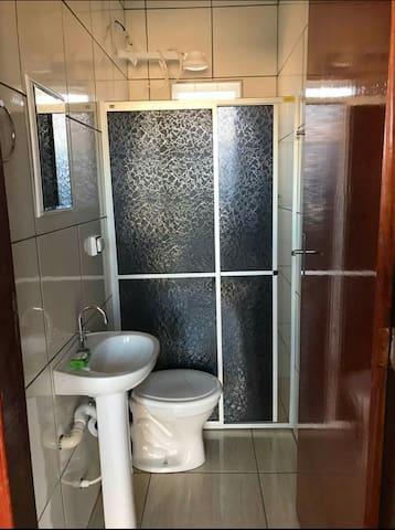 Banheiro privado no quarto