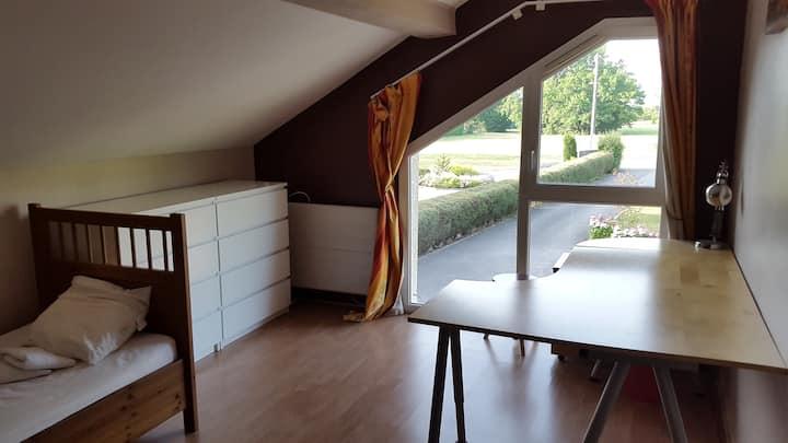 Chambre 20 m2 dans maison familiale