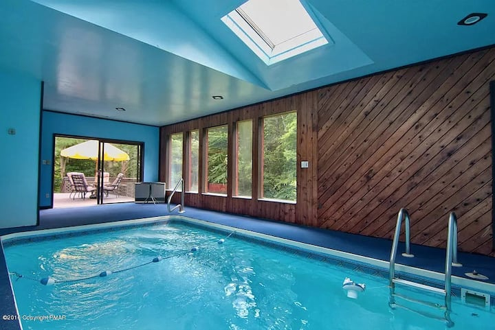 Private Heated Pool Creek View Cabin