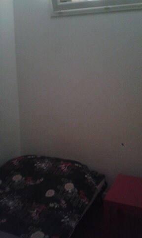 petite chambre sans fen tre gare st charles