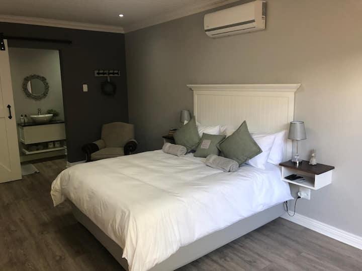 The Homestead - Grace Room