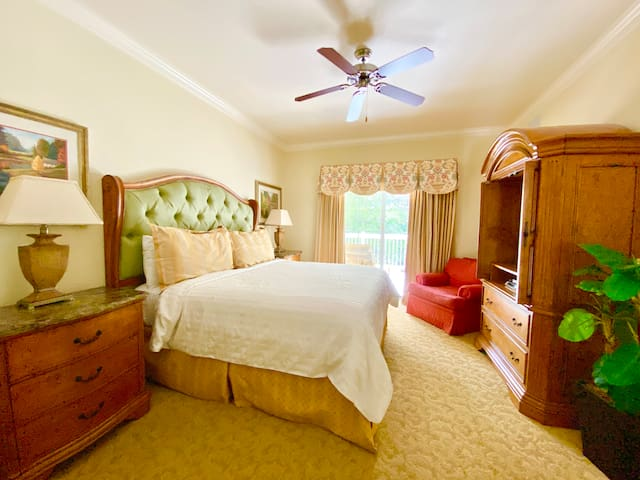King bed with cable tv and private attached bathroom