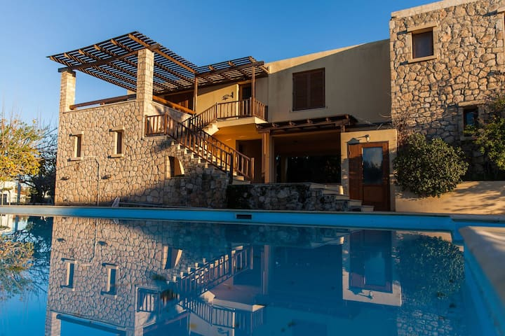 Holidays in Aegina - Blue Suite
