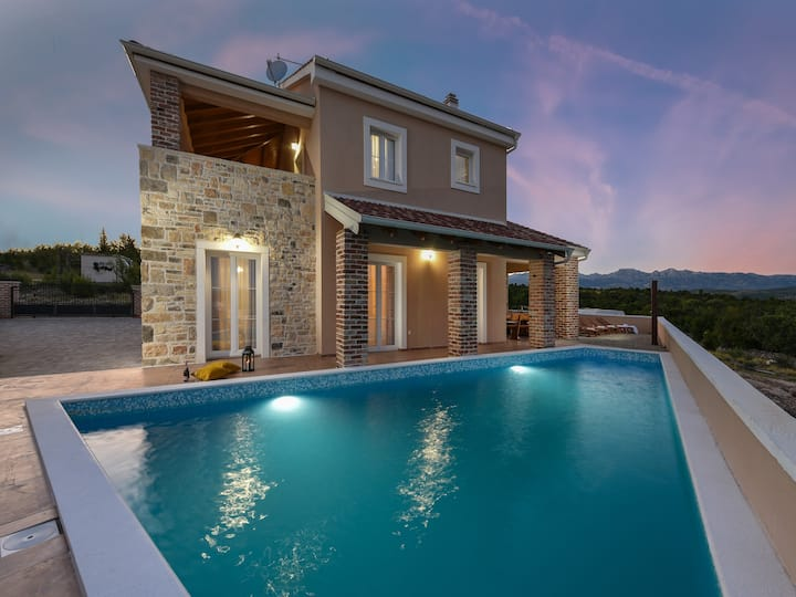 Luxury 4* villa Imperia with pool, Zadar county