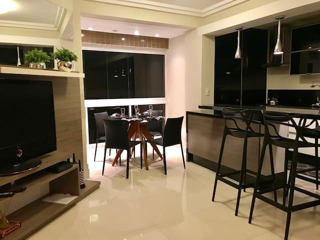 Apartamento lindo com vista mar e Wi-Fi
