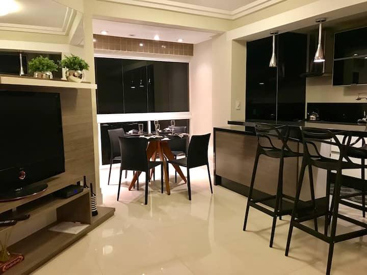 Apartamento lindo com vista mar e Wi-Fi de 120mb