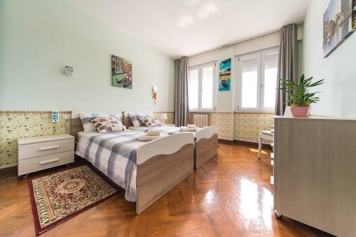 CAMERA DOPPIA 2(SWEET HOUSE)