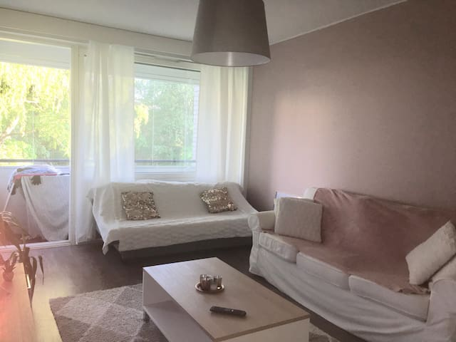Perfect location, only 4min from Kamppi w/ metro!