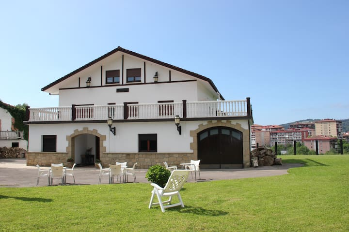 Beautiful house near to San Sebastian - Errenteria - Hus
