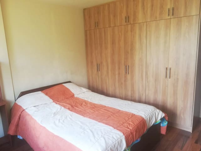 Habitación cómoda, ecónomica y agradable