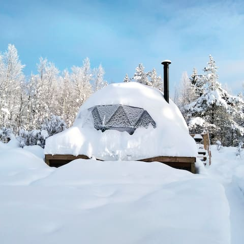 Trysil Glamping Dome in the snow