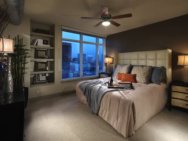 DOWNTOWN LOS ANGELES CONDO NEXT TO STAPLES CENTER - Los Ángeles - Apto. en complejo residencial