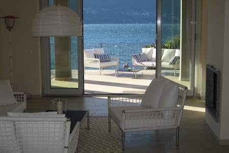 Dream Apartment BEACH directly on the Lake - Porto Valtravaglia - Apartment