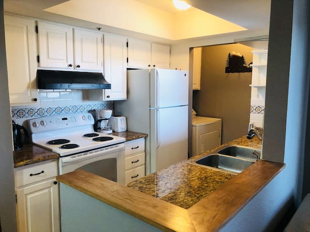 Immaculate 2BR2BA Condo in Park City's Kimball Jct