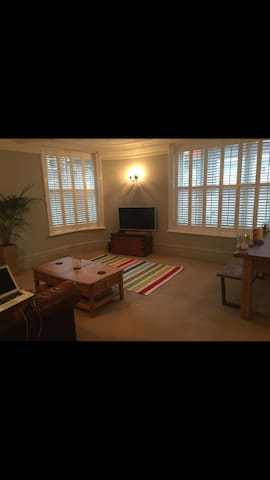 Period 1 bedroom central flat