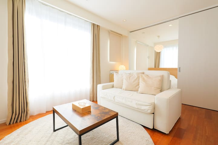 Contemporary 1BR, Midtown Roppongi / 401