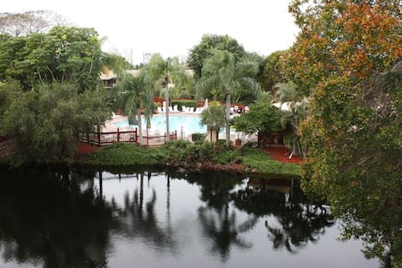 Resort condo near beach and shops - Napoli