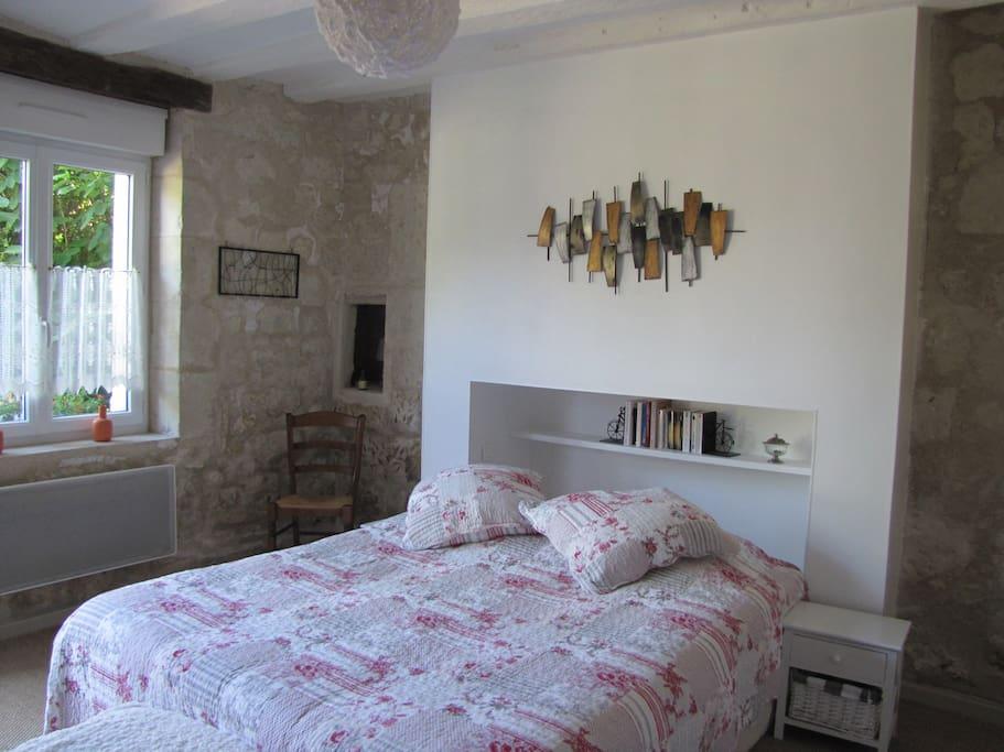 au gr de la loire chambre la loire maison d 39 h tes louer br h mont centre val de. Black Bedroom Furniture Sets. Home Design Ideas