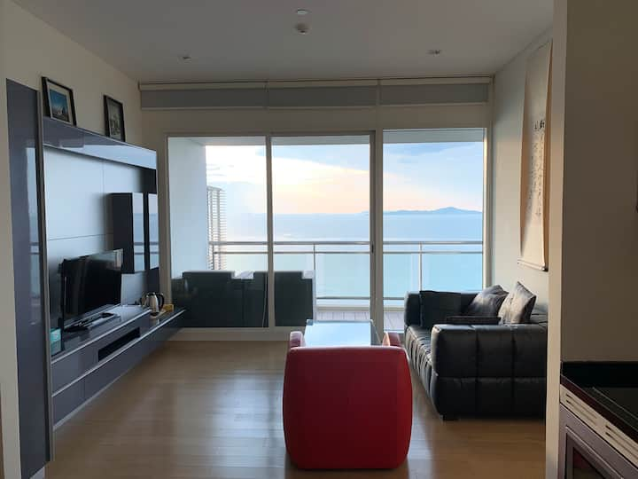 High-floor sea view Reflection Jomtien Pattaya 60m