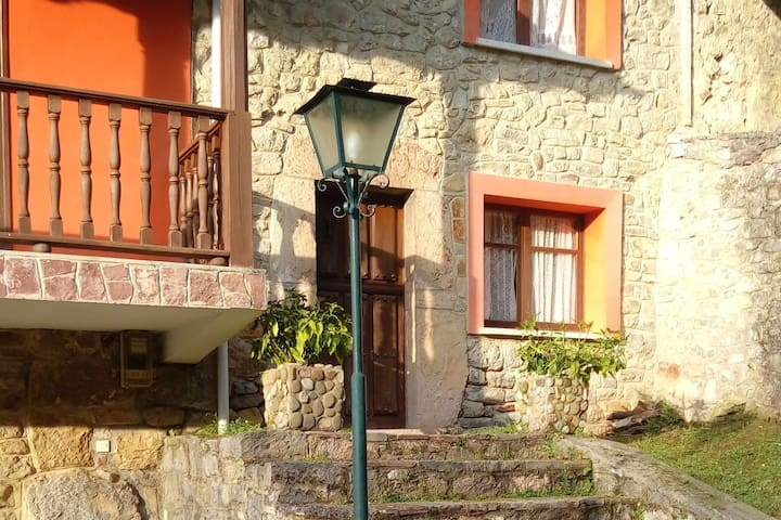 Beautiful house with garden and barbecue near Cangas de Onis and Picos de Europa