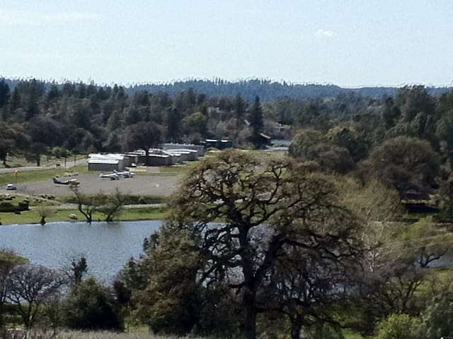 Pilot's Paradise - Mountain Airstrip Home - Placerville - House