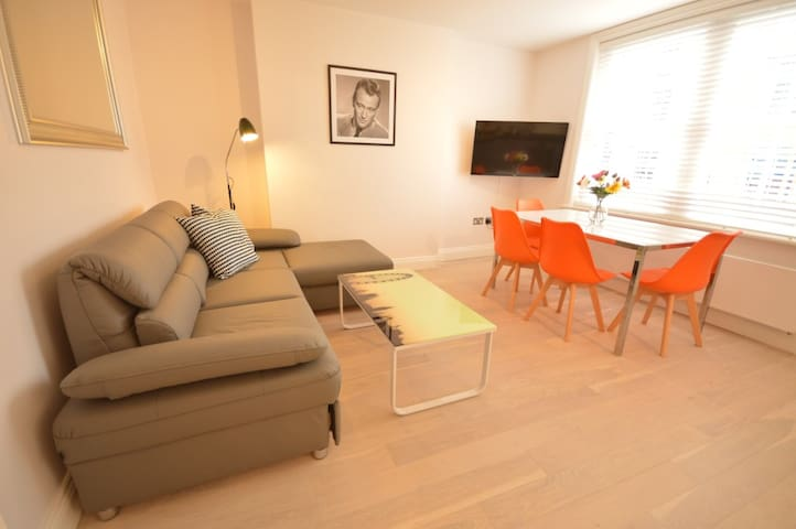 St Anne's Court Apartment F - 2 bed - 6 guests