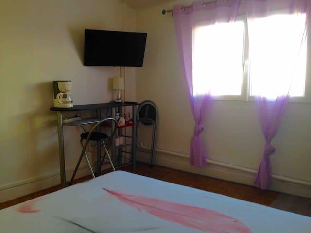 Chambre individuelle agréable en solo ou en couple