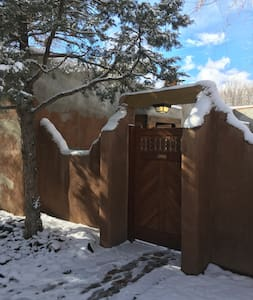 Taos Gem in Historic District-Relaxing Condo 4 PPL - Taos - Kondominium