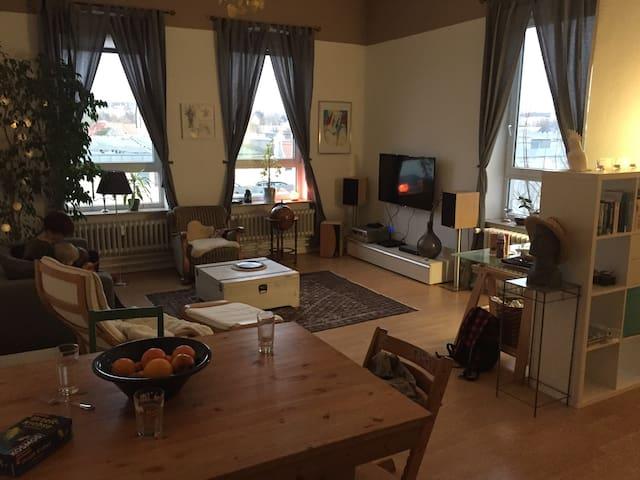 3 Zimmer -  Zentral in Flensburg - Flensburg - Apartamento