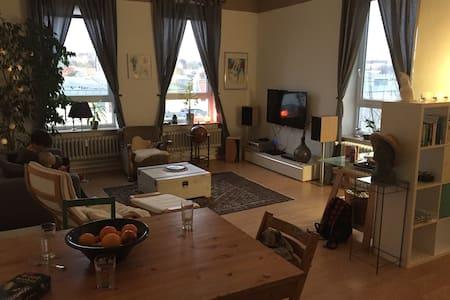 2,5 Zimmer -  Zentral in Flensburg - Flensburg - Flat