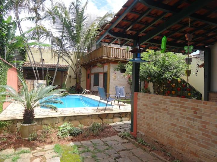 Chalé Casa da Árvore 1 - Perfeita localização
