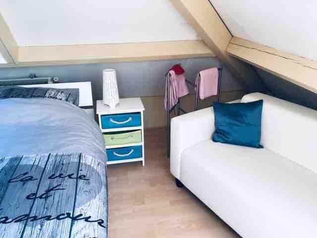 Thuiskomen in een ruime 1/2 persoons zolderkamer