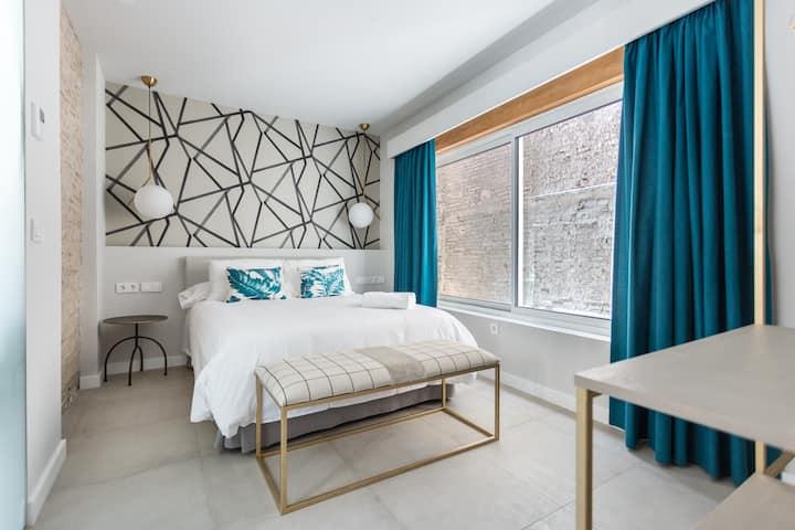 Weys Suites Standard 1