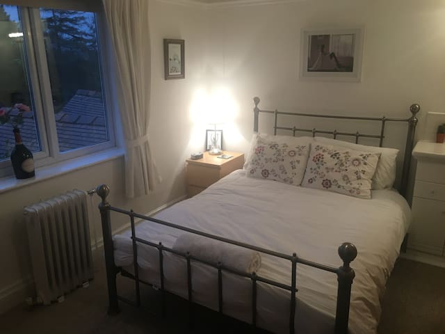 Southport/Liverpool - Double bedroom