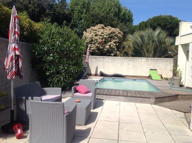 Jolie villa au calme avec piscine - La Grande-Motte - Rumah